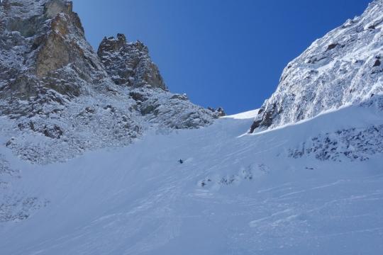 Snowboard en pente raide